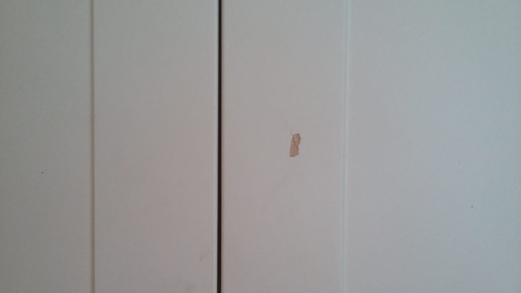 CHIPPED KITCHEN CUPBOARD REPAIR