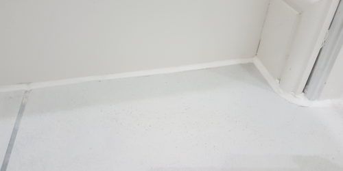 CRACKED BATHROOM FLOOR TILE REPAIR