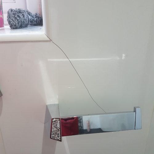 CRACKED BATHROOM WALL TILE REPAIR BEFORE