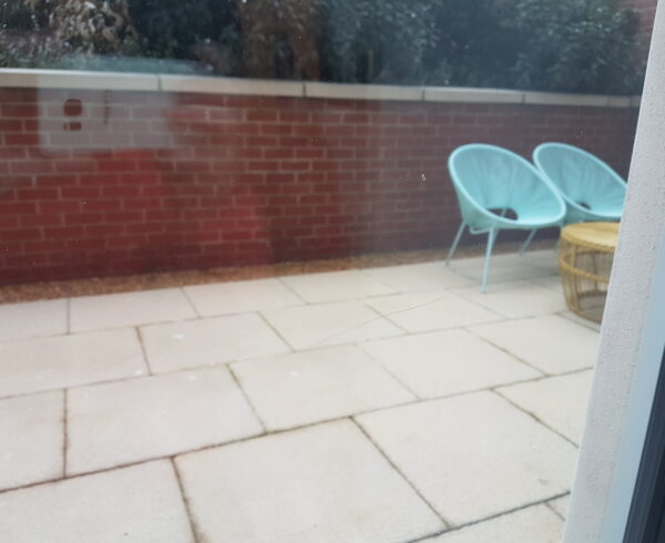 SCRATCHED GLASS REPAIR AND POLISHING MANCHESTER