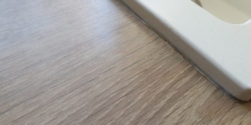 CHIPPED WOOD GRAIN EFFECT KITCHEN WORKTOP REPAIR AFTER