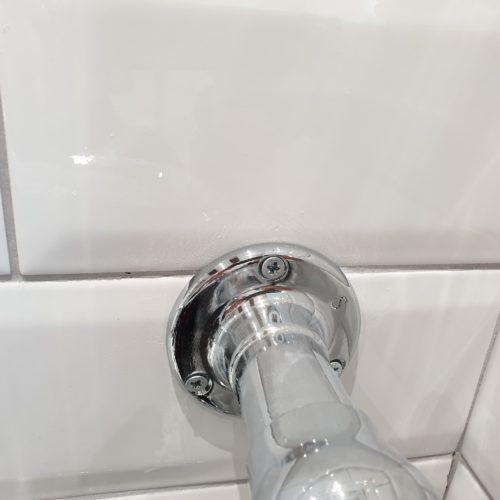BADLY CRACKED BATHROOM TILE REPAIR AFTER