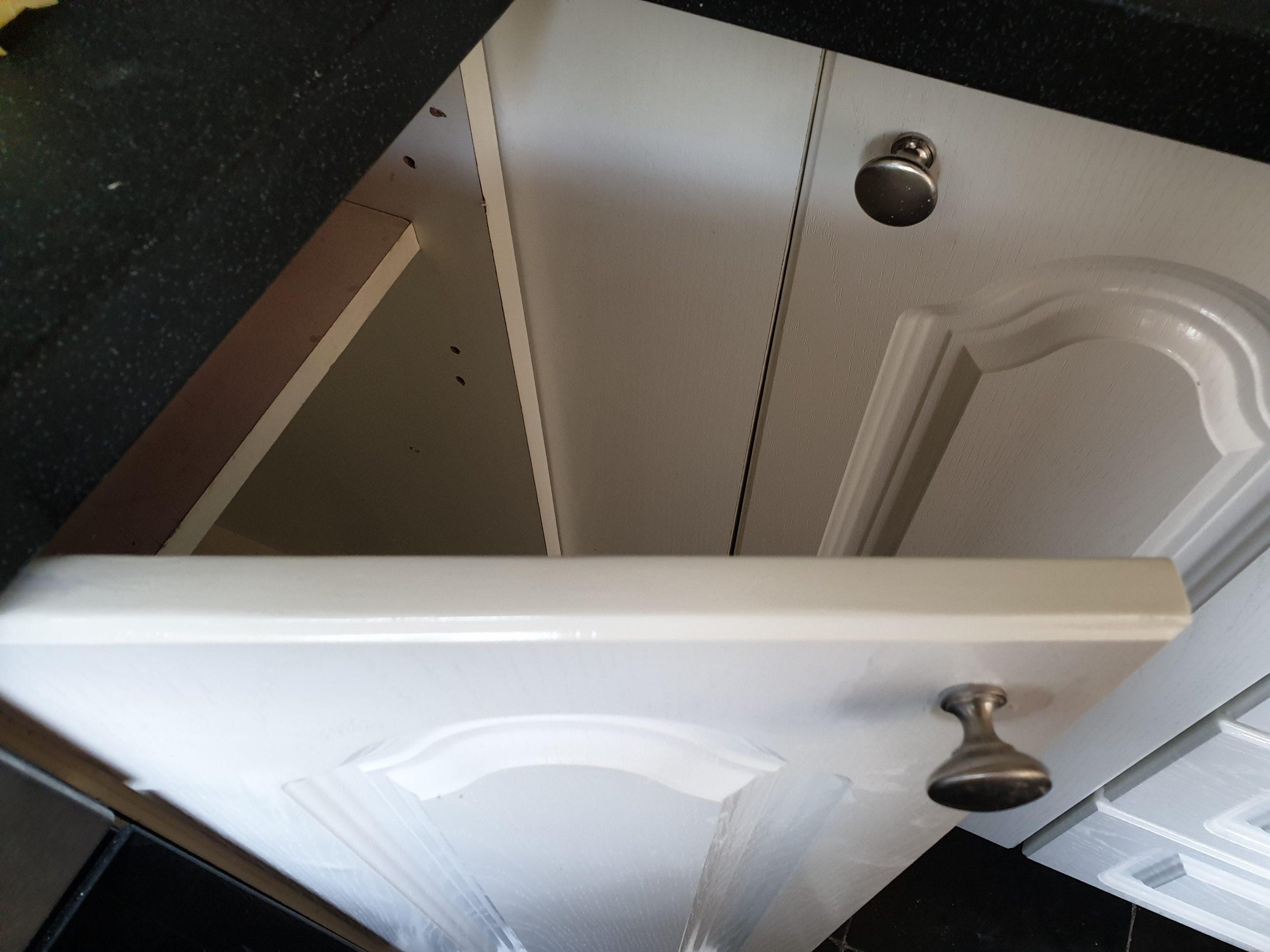 KITCHEN CUPBOARD DOOR DE LAMINATING CHIP REPAIR AFTER 1