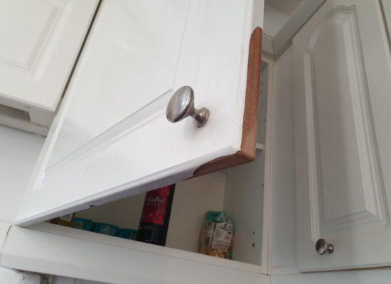 KITCHEN CUPBOARD DOOR DE LAMINATING CHIP REPAIR BEFORE 2