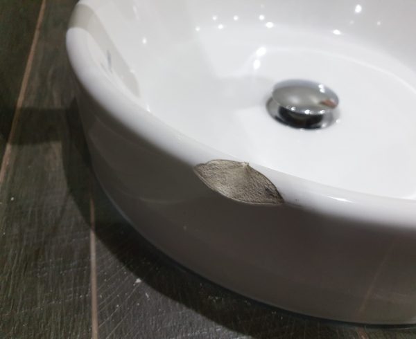 CHIP WASH HAND BASIN SINK PORCELAIN REPAIR BEFORE