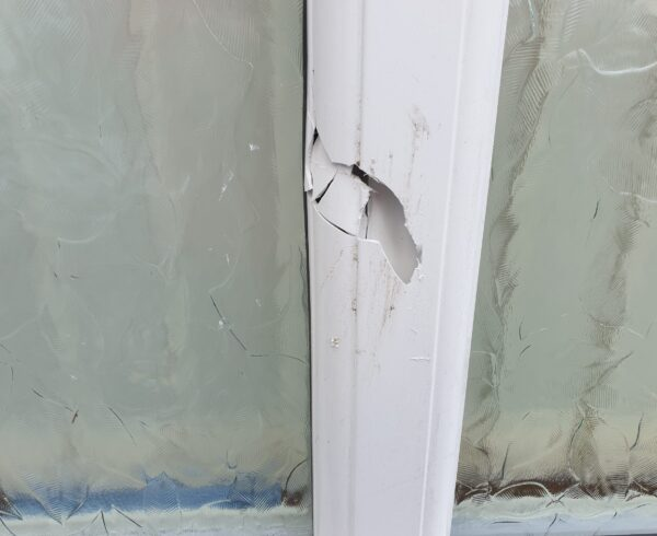 UPVC PLASTIC CONSERVATORY WINDOW DOOR FRAME CRACK CHIP SCRATCHREPAIR MANCHESTER BEFORE
