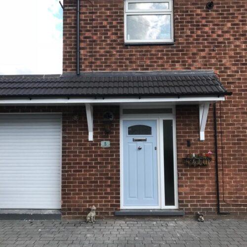 PLASTIC UPVC WINDOW DOOR FRAME COLOUR CHANGE SPRAYING MANCHESTER 3 BEFORE