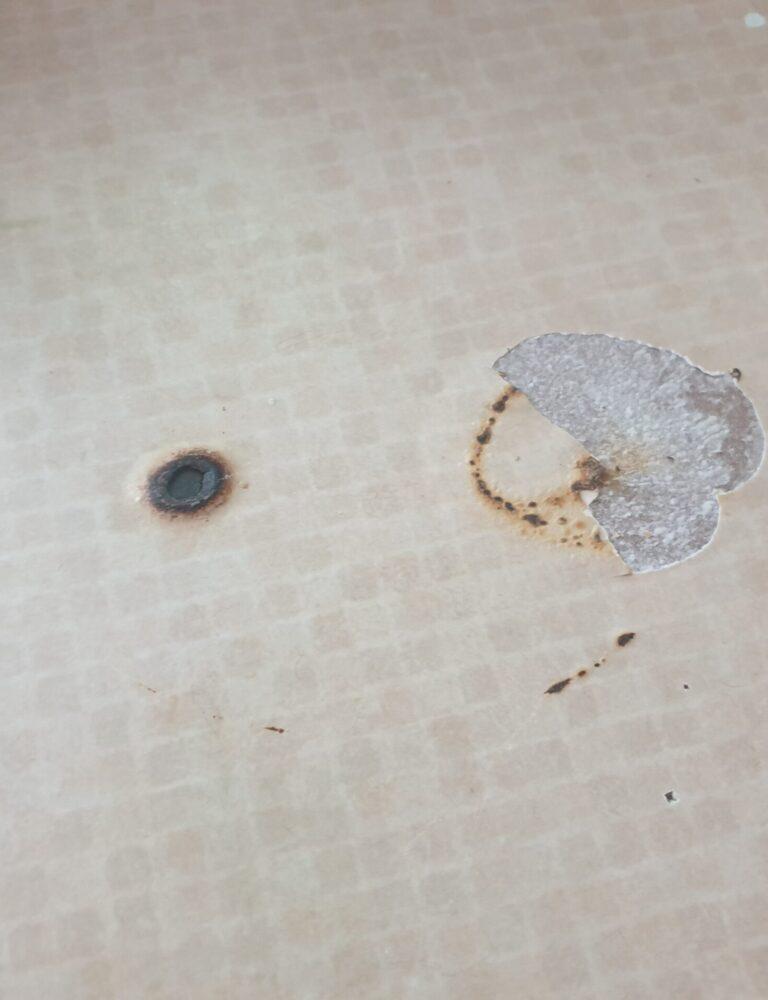 BURNT MARK HEAT BLISTER PAN BURN KITCHEN WORKTOP COUNTER REPAIR BEFORE