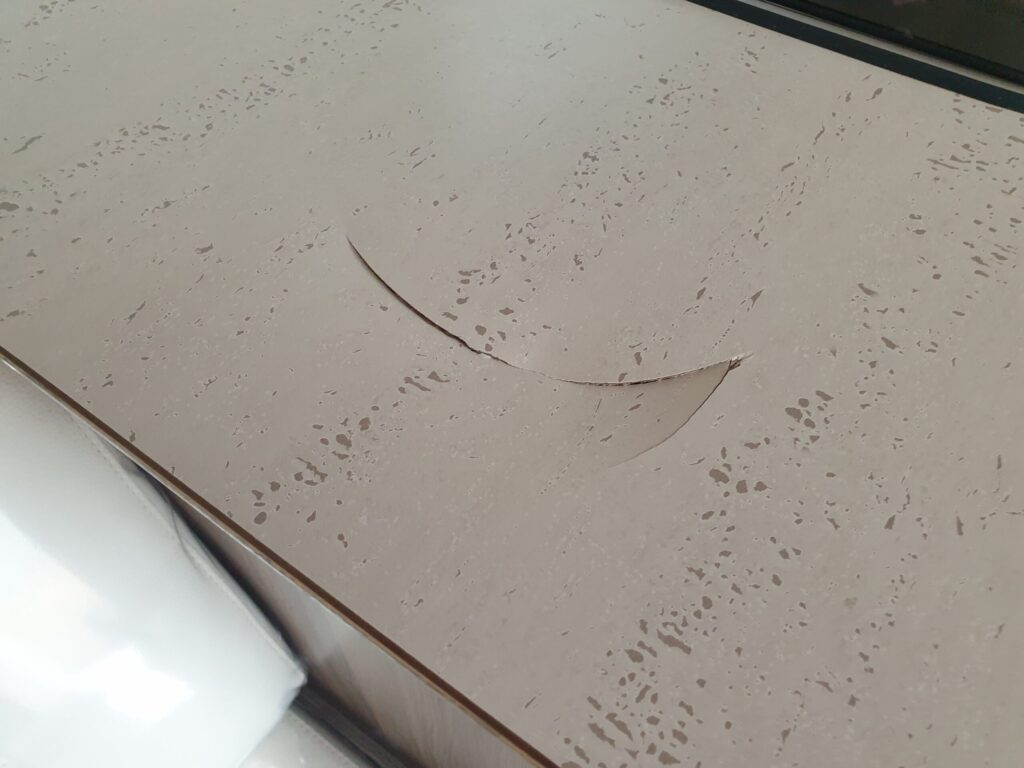 CARAVAN KITCHEN WORKTOP LARGE CHIP CRACK SCRATCH REPAIR BEFORE