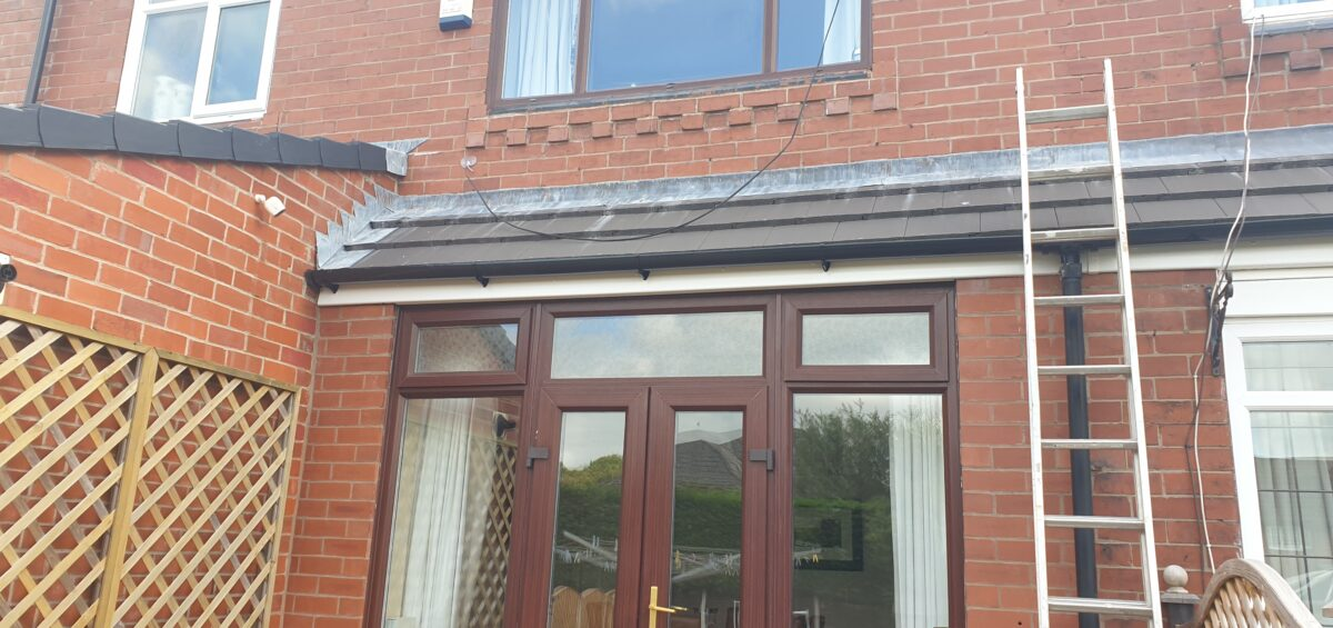 WOOD GRAIN WINDOW FRAME SPRAY PAINTING SERVICE MANCHESTER 1