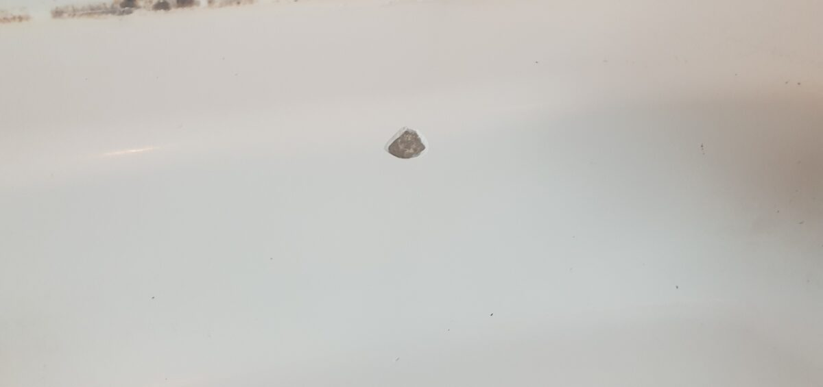 STONE RESIGN SHOWER TRAY CHIP REPAIR WILMSLOW CHIP SCRATCH CRACK REPAIR